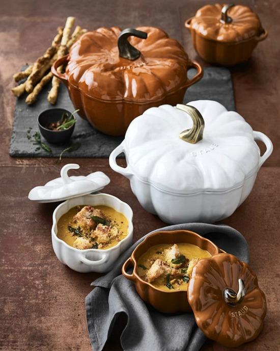 staub-ceramic-pumpkin-cocotte