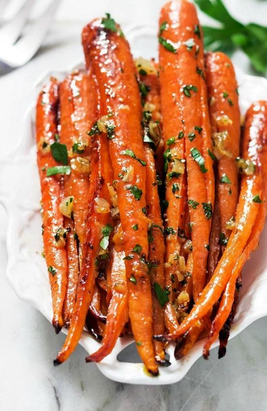 honey-garlic-butter-roasted-carrots