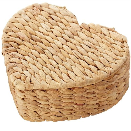 Natural Wicker Petite Heart Box