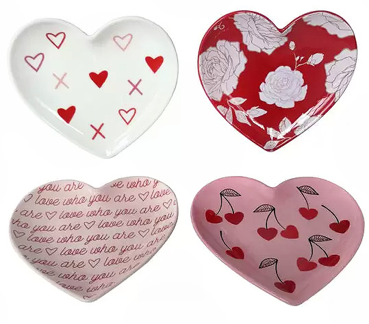 Valentine's Day 4 pk Heart Shaped Plates