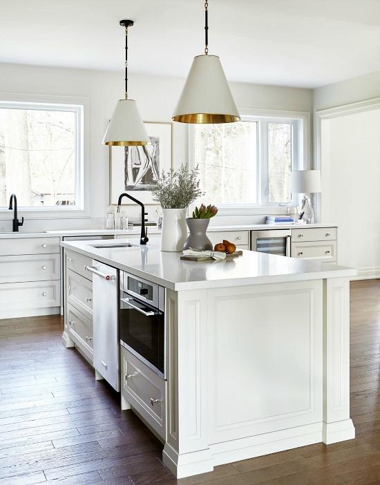 alyssa.colagiacomo.interiors.portfolio.interiors.kitchen.bar.wine.cellar