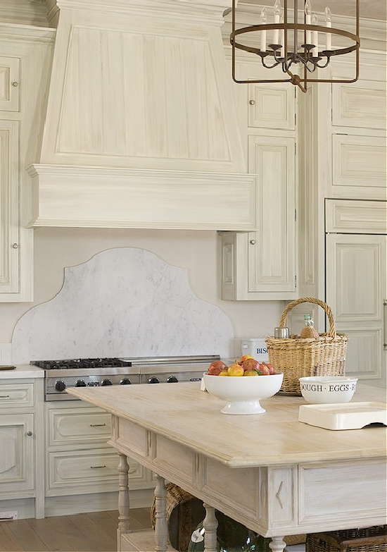 country-French-kitchen-Phoebe-Howard