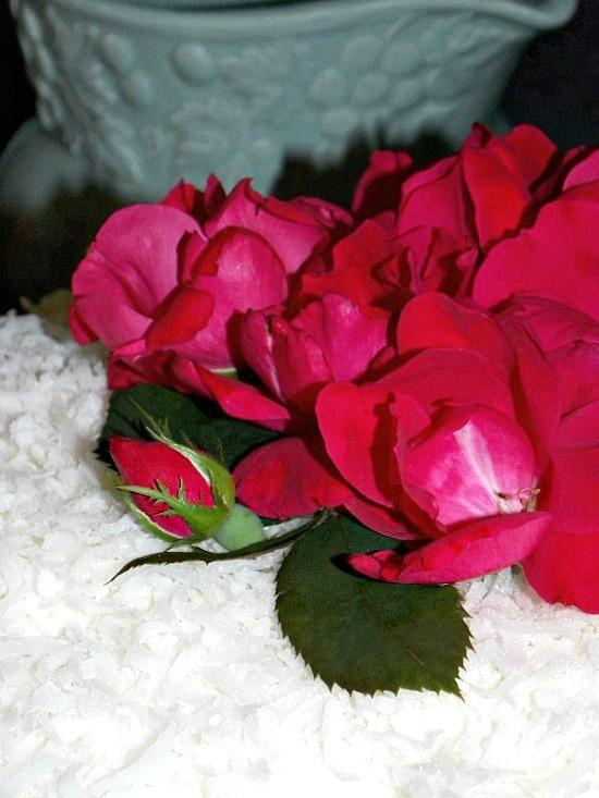 fresh-roses-cake-topper