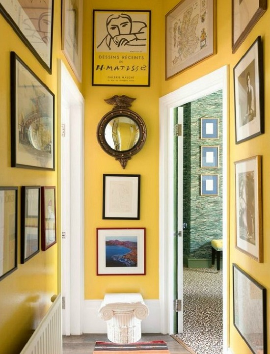 sunny-and-bright-gallery-wall-photo-Rebecca-Reid