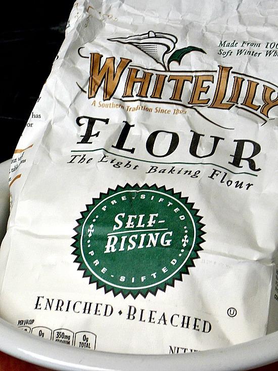 White-Lily-self-rising-flour-bag