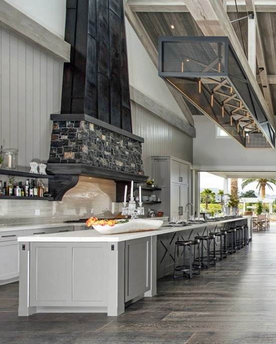 farmhouse kitchen South Beach Exquisite House 2id Interiors