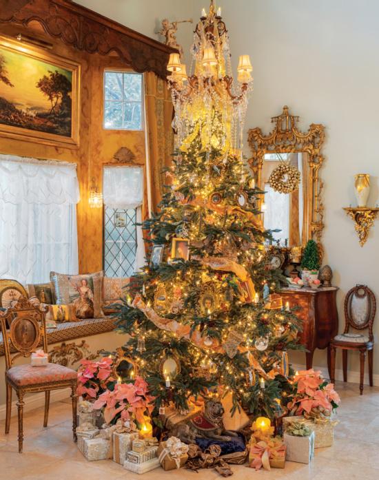 Jennifer-Chapman-Christmas-tree-photo-by-Marcy-Black-Simpson