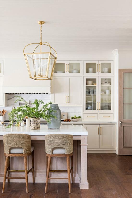 beach-style-kitchen-Studio-McGee