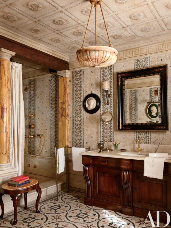 master-bath-mosaic-tile-Studio Peregalli