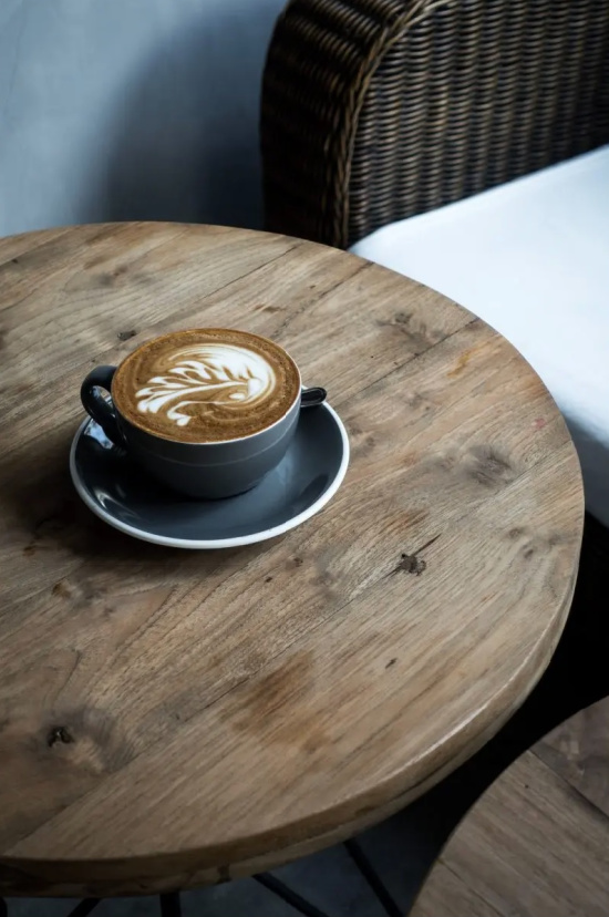 coffee-at-shop