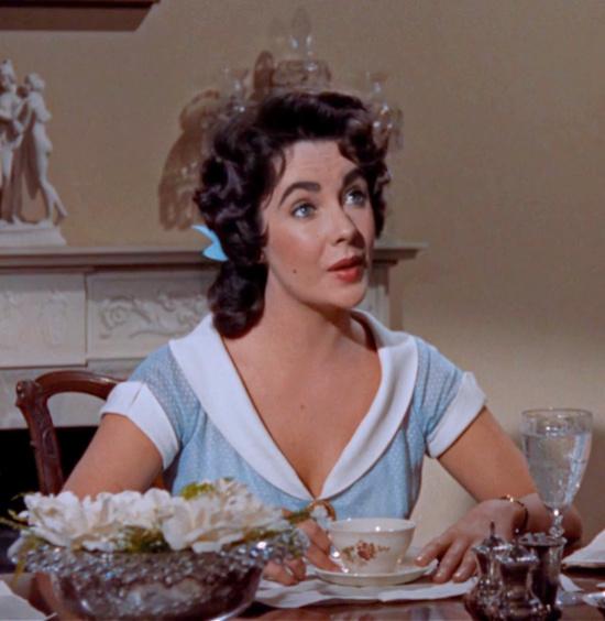 Elizabeth Taylor Giant dining room gardenias