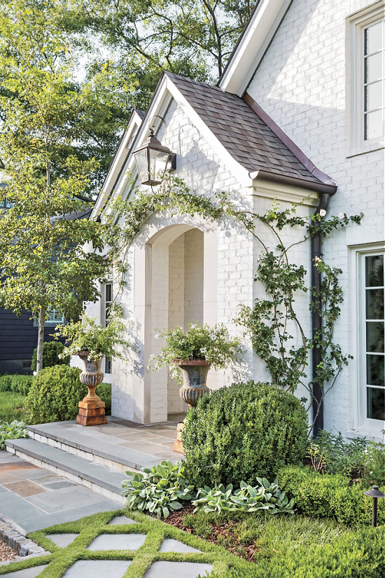 greenery-climbing-roses-exterior-entryway