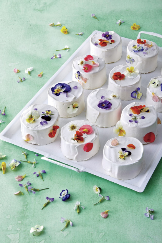 confetti-cakes-photoo-Antonis-Achilleos-food-styling-Torie-Cox-prop-styling-Kay-E-Clarke (1)