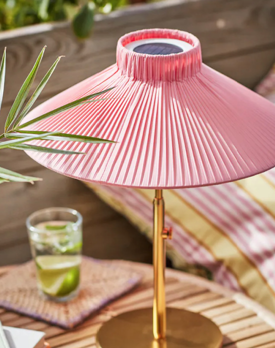 Solar-lamp-pink-shade