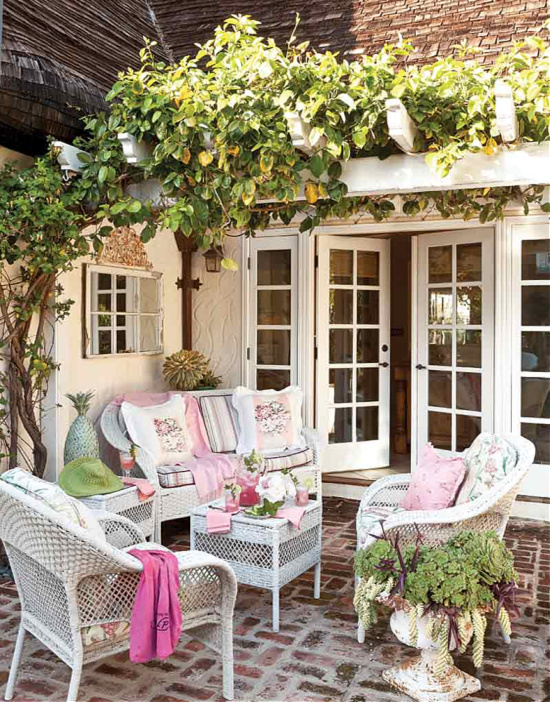 pretty-in-pink-patio-the-cottage-journal