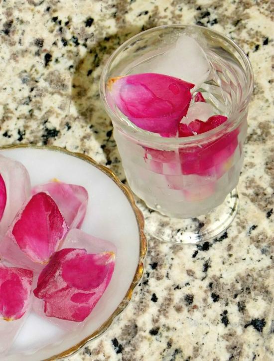 rose-petals-ice-cubes1 (1)
