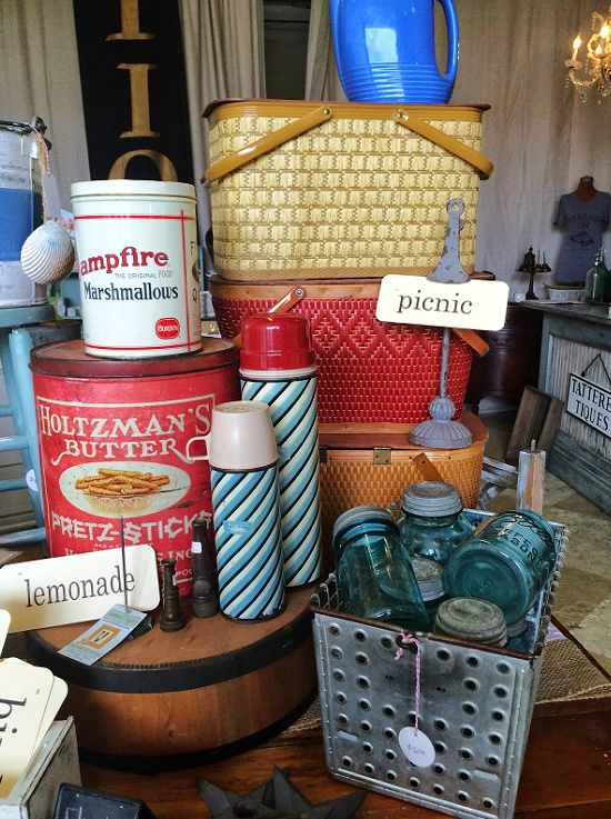 vintage-picnic-supplies-Tattered-tiques